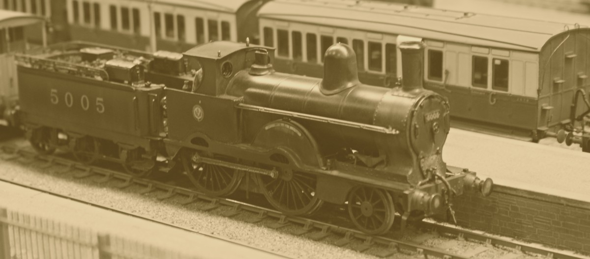 Another L.N.W.R. Webb 'Jumbo' from Jack's collection, this time No 5005 'Pitt' Originally 1522, I have no idea as to whether it commemorated the elder or the younger!