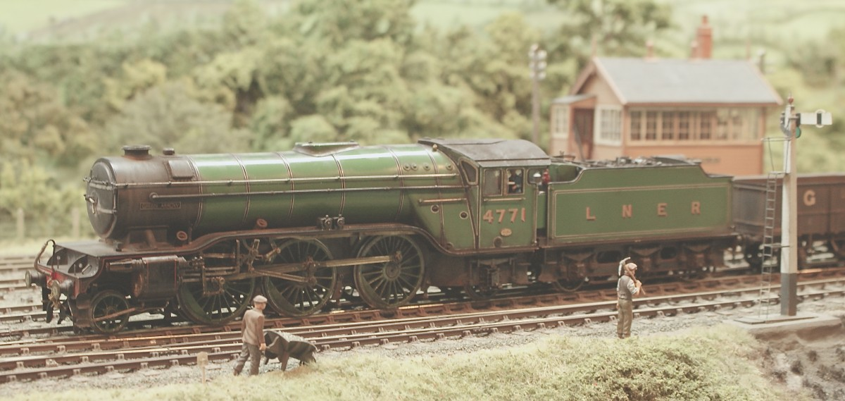 A first outing for No 4771 'Green Arrow', one of Jack Anziani's latest additions approaching the trailing points at the exit of the up loop.