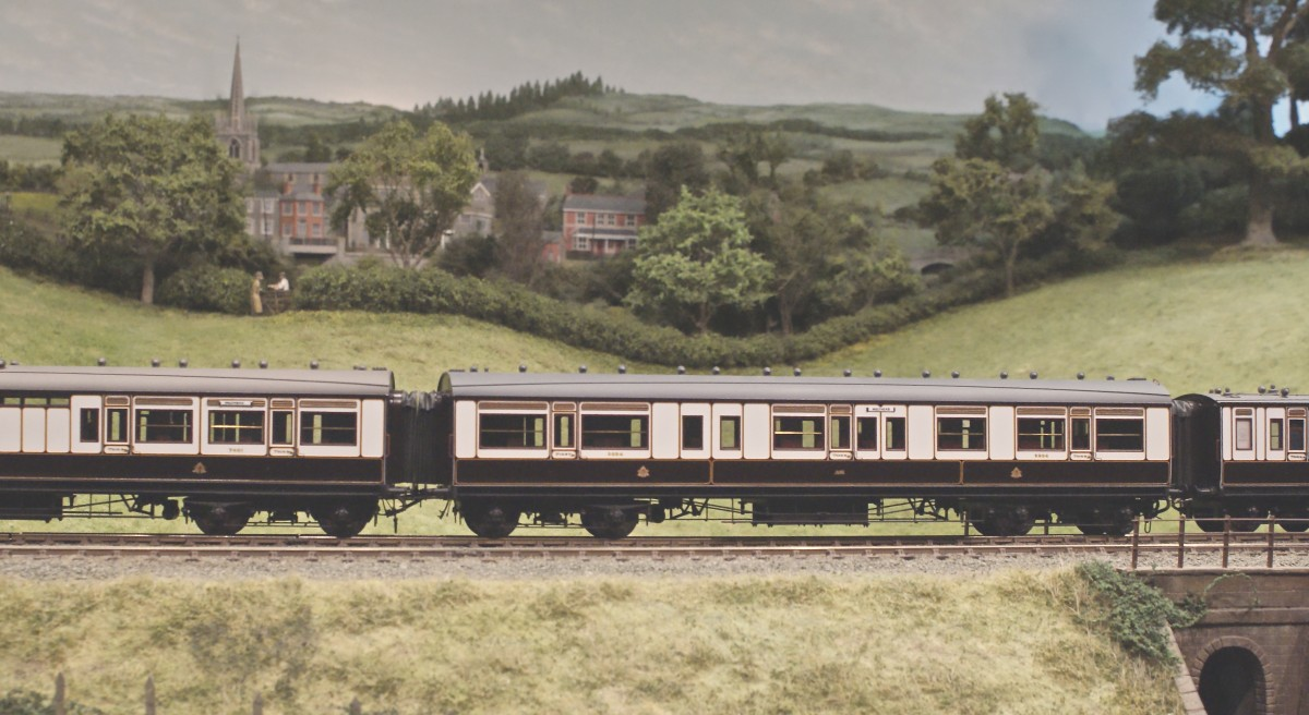 Jonathan Marcus brought a superb rake of L.N.W.R. carriages to form a Holyhead express.