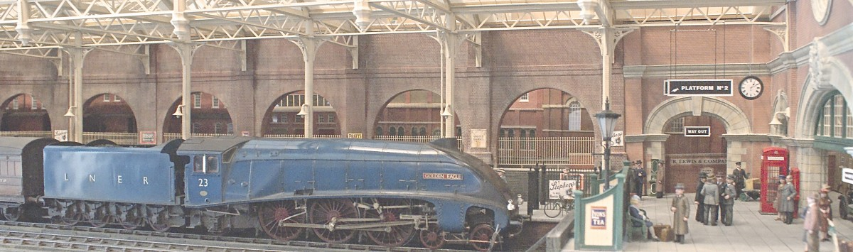 Three separate lines enter the station, allowing as many trains into the scene. this overall view features a marvellous Gresley pacific built by Tony Reynalds and an L.N.E.R. full brake as an example.