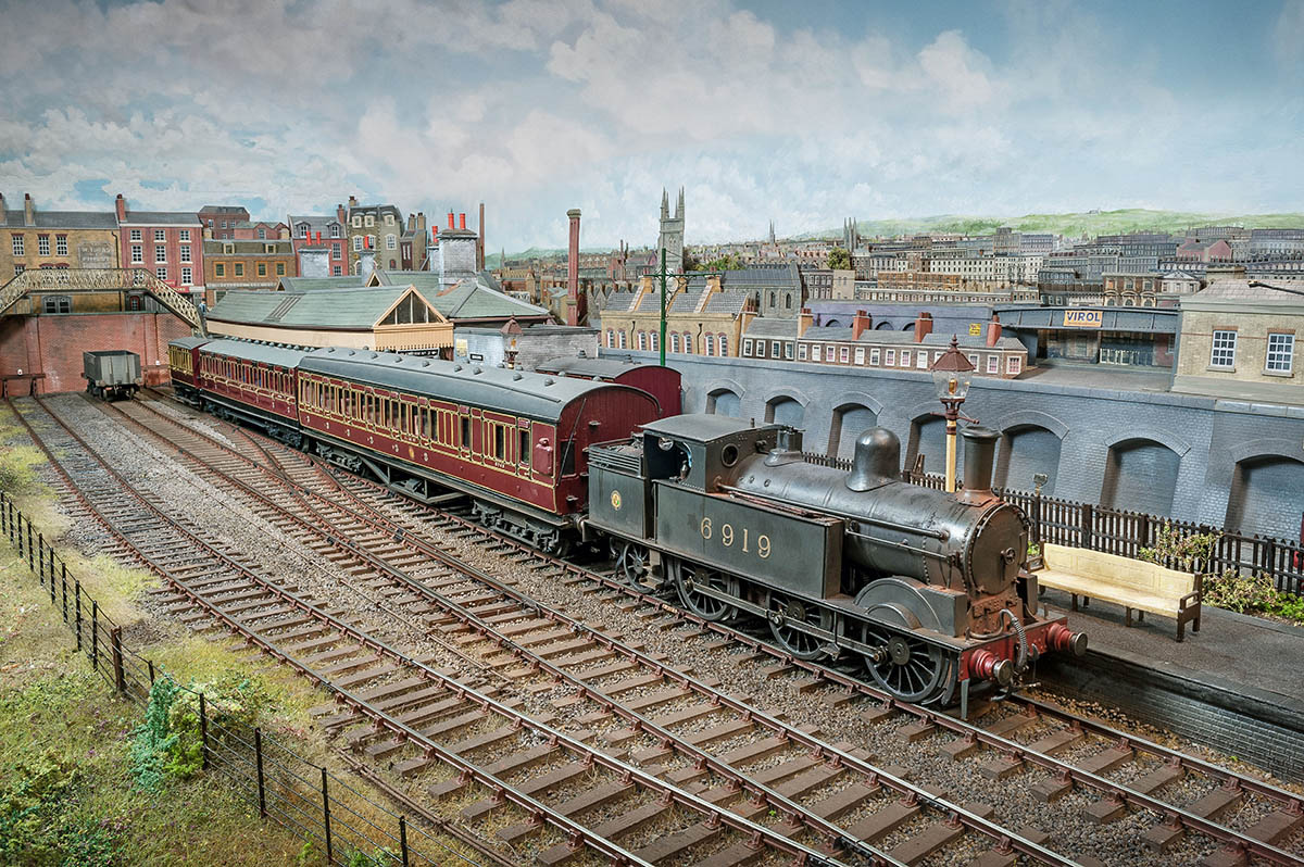This is one of my favourite views of Westcott and this feature portrays the early days of the L.M.S.R.